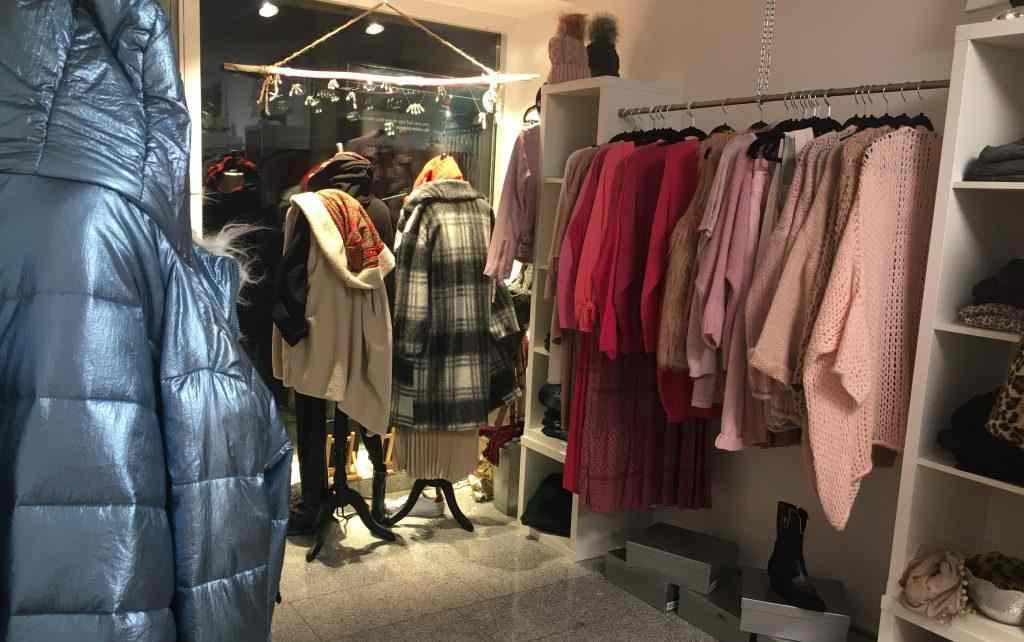Verkaufstheke der Damenboutique ptflair in leverkusen